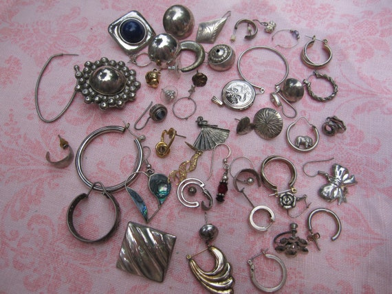 Crafters bag of vintage odds n ends pieces of jewelry. Wholesale lot set of 50 pieces.