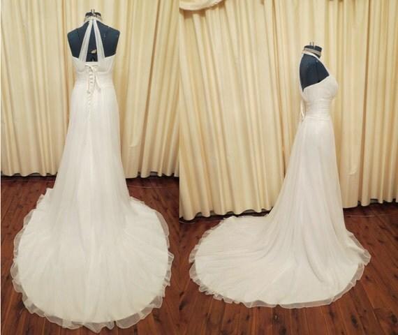 Vintage sexy simple off white wedding dress with long train for Simple off white wedding dresses