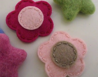 Felt hair clip -No slip -Wool felt -set of 2 flower -raspberry / pale pink