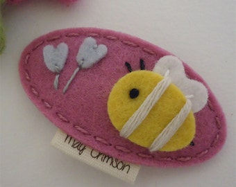 Felt hair clip -No slip -Wool felt -Bumble bee -old pink
