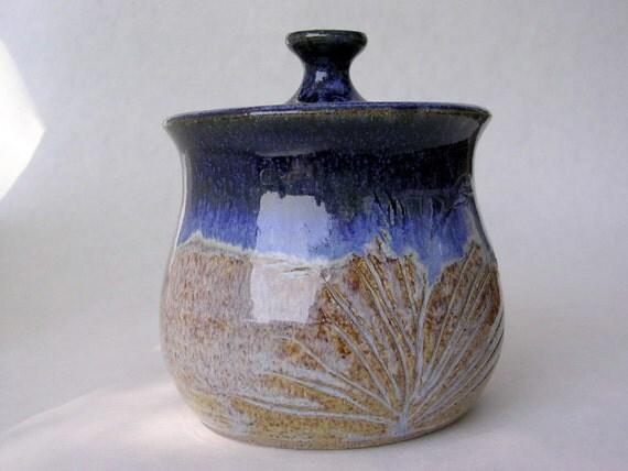Salt cellar sugar bowl jar with lid