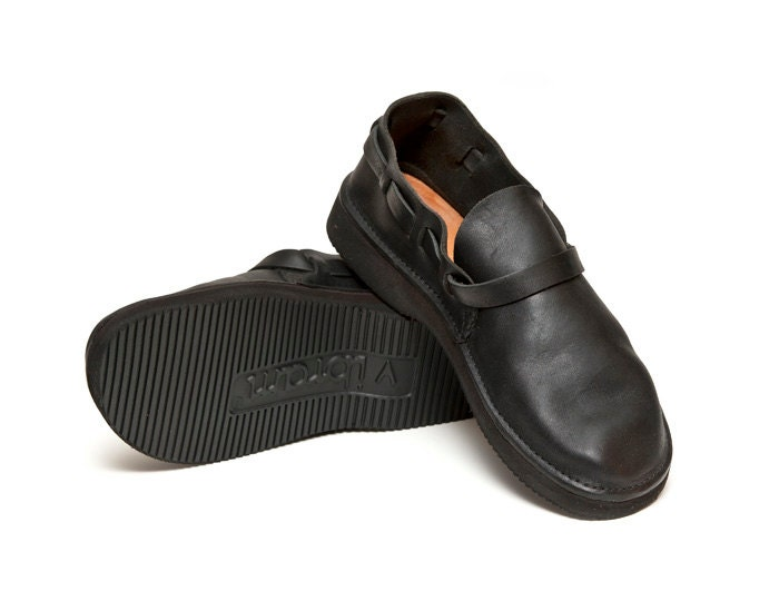 s black handmade leather shoes