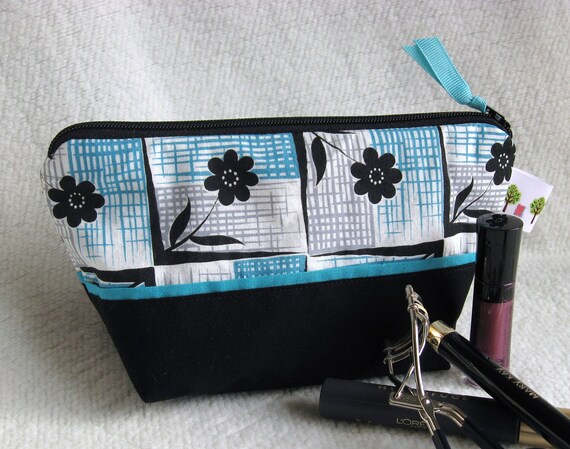 """Cosmetic Bag / Travel Bag, with Vintage 40s Era Floral Fabric - 8"""" wide x 5"""" tall x 2.5"""" deep - Zippered, Washable, Square Bottom"""