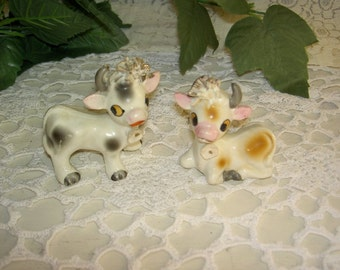 Bull & Cow Salt and Pepper Shakers Japan UNDER 10