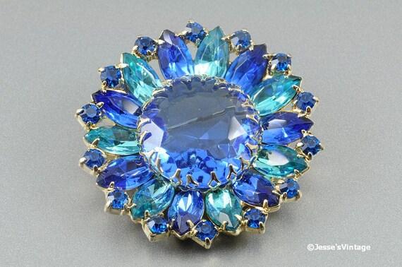 Vintage Aqua Blue Brooch Pin w Glass Rhinestones 1950s