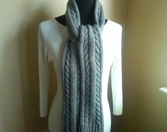 They call me cable - a handknit scarf
