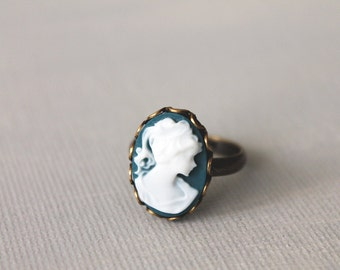 Victorian Lady Cameo Ring. vintage style ring. antique brass ring.