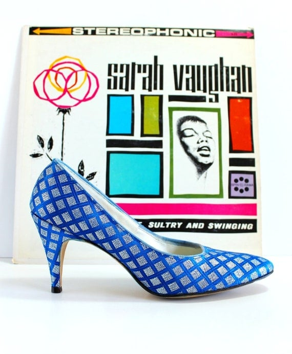 Sale - Vintage 1950s Pumps. Royal Blue Silver Metallic. Mad Men Fashion. Office Fashion. Cocktail Party.  Weddings. Summer. Fall. Size 8