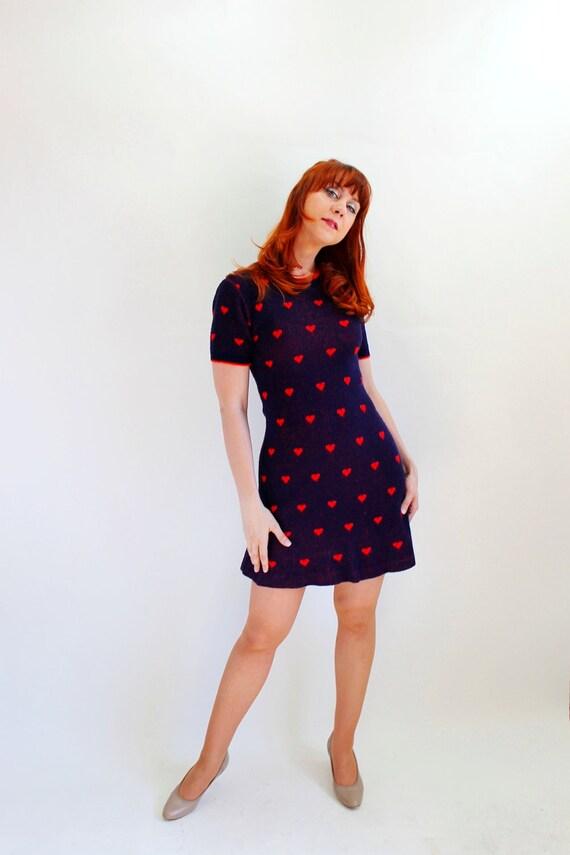 Sale - Vintage 1960s Navy Red Hearts Sweater Dress. Mod. Mad Men Fashion. Office Fashion. Secretary. Date Dress. Fall Fashion. Size Medium