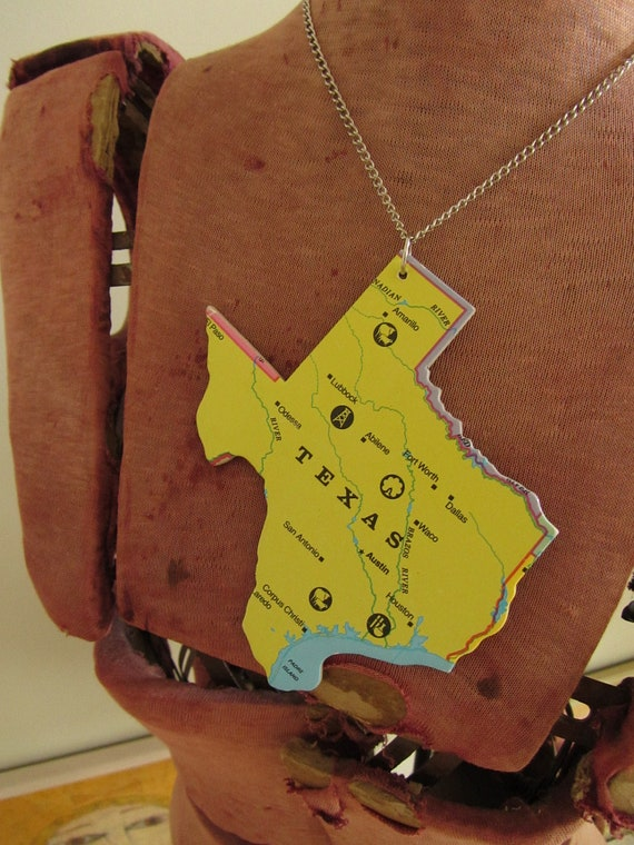 TEXAS State Pendant Necklace - Upcycled Vintage USA State Jigsaw Puzzle Piece