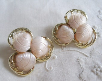 Vintage Pink Shell Gold Tone Clip On Earrings