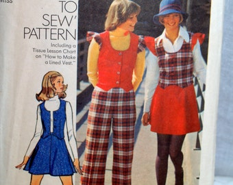 1970s Simplicity pattern young junior teens misses vest skirt and pants