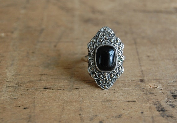 vintage Art Deco ring / 1930s jewelry / L'OPERA