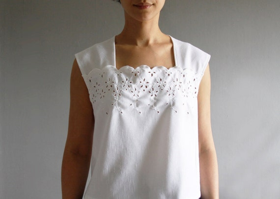 1970's eyelet lace top m / l . vintage white summer blouse