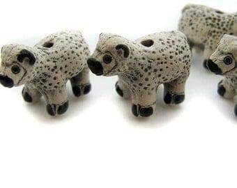 10 Large Sheep Beads - LG43