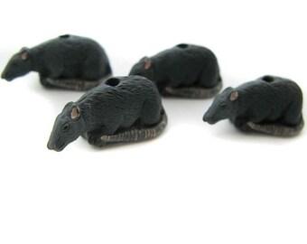 4 Large Rat Beads - CB157