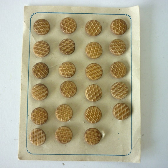 Set of 23 Vintage 50s Buttons