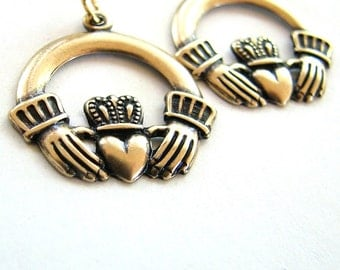 claddagh earrings - gold