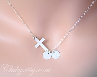 Sideways cross necklace with two initial discs, horizontal cross necklace, STERLING SILVER, simple necklace, everyday wear, birthday gift
