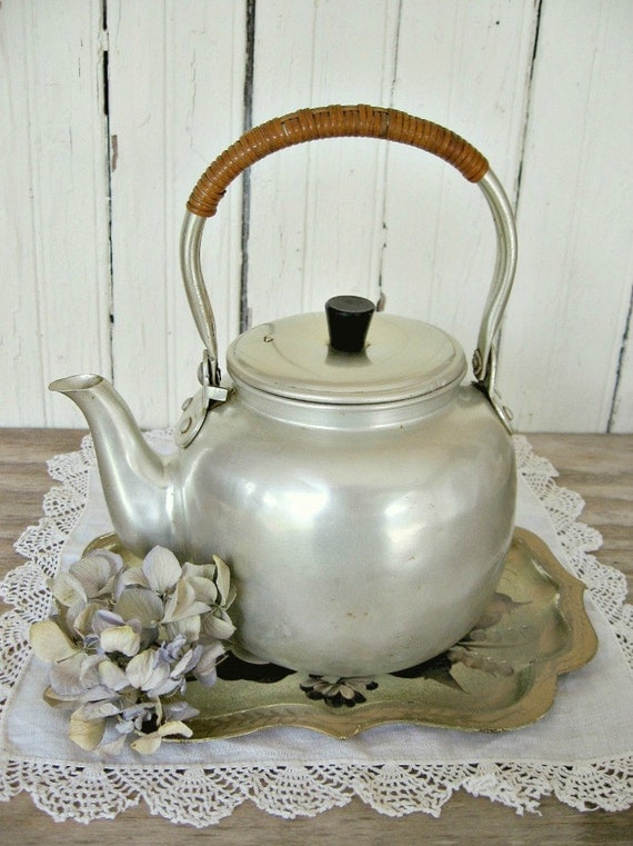 Vintage Tea Pot-Aluminum
