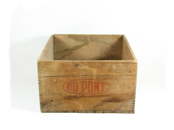 Vintage Wooden Crate Wood Box Dovetailed Corners Dupont Explosives Dynamite