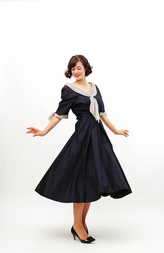 Vintage 1950s Cocktail Dress - 50s Party Dress - Navy Blue & Pale Grey