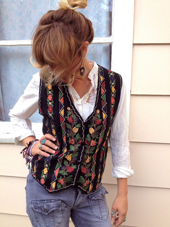 Vintage VEST, clothing ,lightweight, swag, boho, folk abstract, eclectic,funky,black,  size L by Zasra