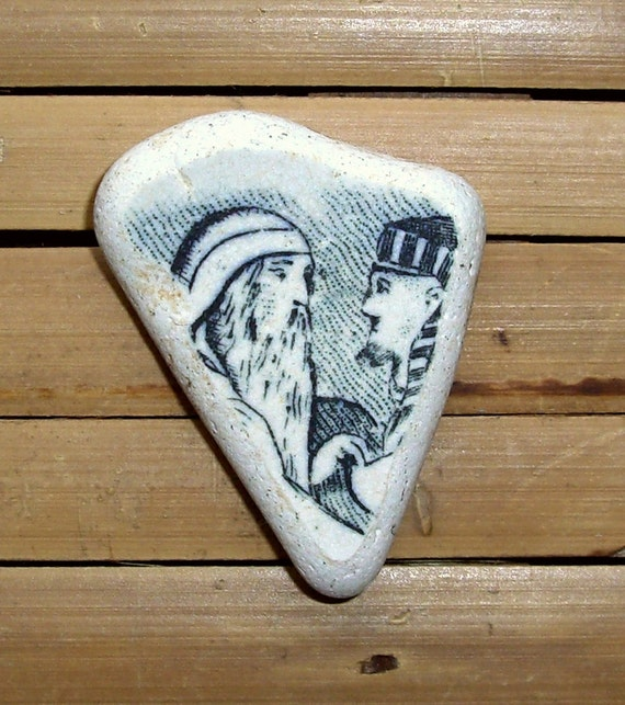 Two Men - Rare Black & White Pottery Shard - Pendant Supplies (984)
