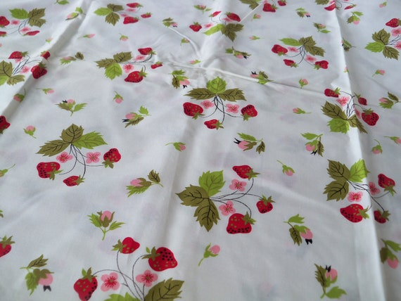 Vintage Strawberry Toss Fabric-1 yard