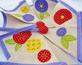 40% off SALE ~ Appliqué bunting  - pretty flowers on linen, perfect for tea parties, weddings & celebrations with 11 flags READY to SHIP