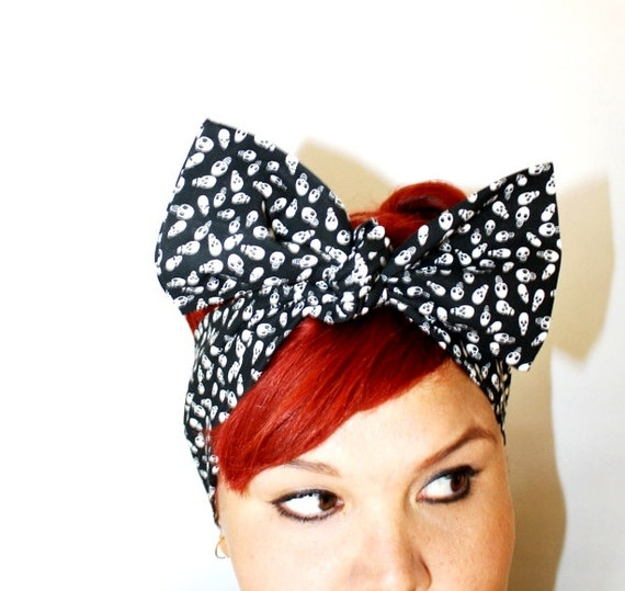 Bow hair tie, Vintage Inspired Head Scarf, Tiny Skulls, black and white, Rockabilly, psychobilly