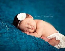 baby headbands, newborn headbands, small white flower headband, infant, toddler, teen, adult great photo prop