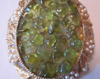 Rockin It Old School - Vintage Gold Tone Brooch/Pendant with Faux Pearls & Polished Green Stones