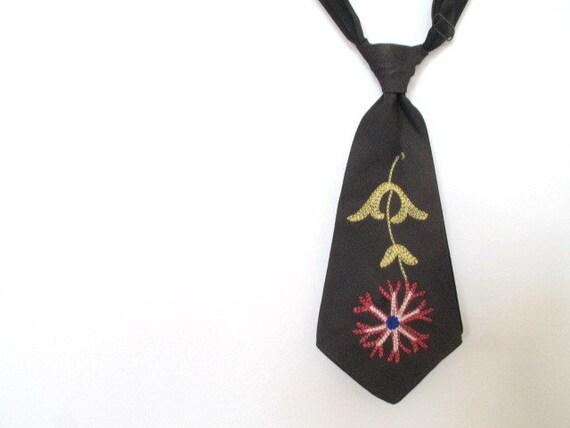 vintage 1940s embroidered boys necktie / DESERT FLEUR