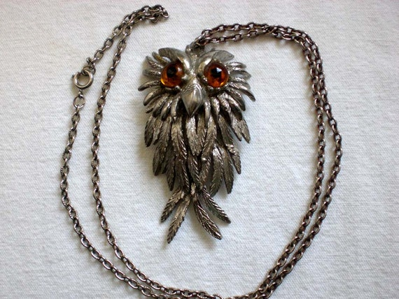 Articulated owl necklace