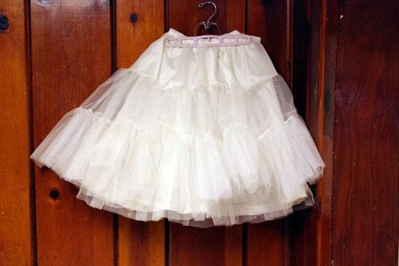 1950s crinoline / white petticoat / tulle bridal full skirt wedding dress XXS