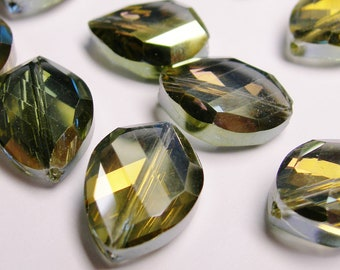 Crystal faceted oval beads 8 pcs 20mm by 18mm AA quality - sparkle metallic green