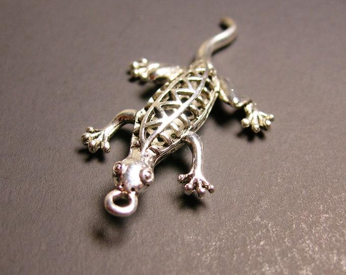 Lizard charm 4 pcs - 51mm by 21mm - hypoallergenic- 3D