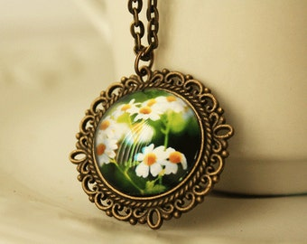 Daisy Flower Necklace, Jewelry, Necklace, Photograph Jewelry, Photograph Jewelry Necklace, White Daisies, Original Daisy Floral Photograph