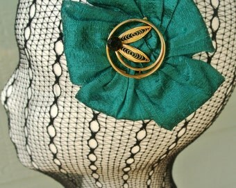 The RUBY - emerald green headpiece, emerald green hat, emerald fascinator, hair accessory, hair clip