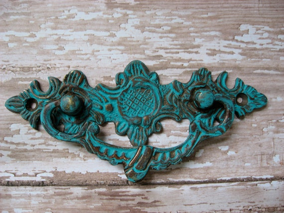 Set of 6 Vintage Style Pulls for Dresser Drawers in Brass and Turquoise Finish