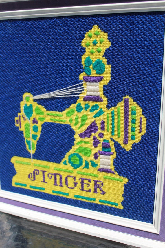 Antique Singer Featherweight Sewing Machine Needlepoint Framed Wall Hanging