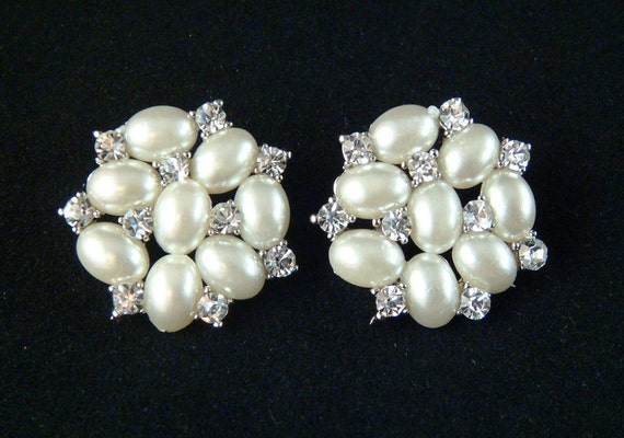 Bridal WEDDING STUDS / pearl and rhinestone stud earrings / bridal studs / bridesmaid earrings bridal earrings pearl stud earrings