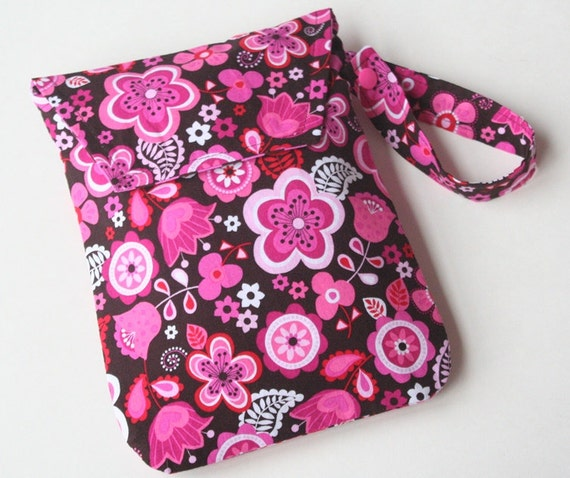 Diaper Pod w/ Pocket and Carrying Strap - Cocoa Berry (Diaper Pouch/Clutch/Holder)