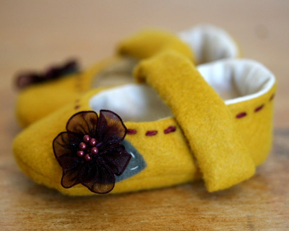 Baby Girl Shoes - Yellow Wool and Purple Flowers