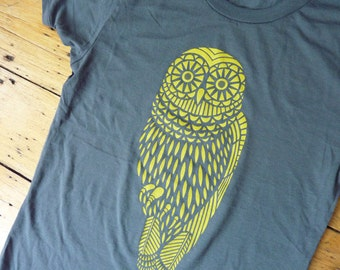 SALE - Yellow Owl on Gray T-Shirt XL only
