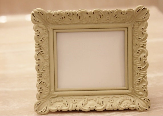 set of 25 mini vintage style frames ivory white place card. Black Bedroom Furniture Sets. Home Design Ideas