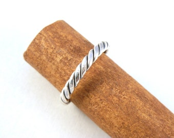 Unisex Twist Ring Sterling Silver, 3mm wide- R3108 - ElenadE