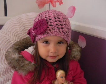 Toddler girl crochet beanie, beautiful pink beanie with a bow, little girl's hat with a bow