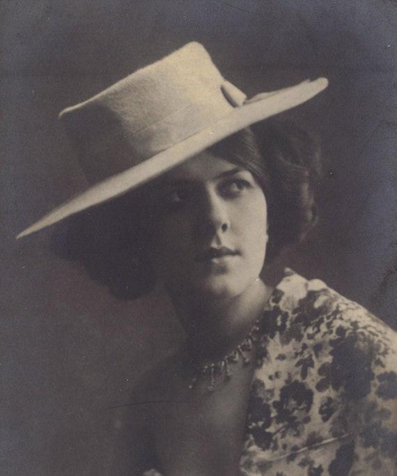 La Belle Epoque Spanish Style circa 1910